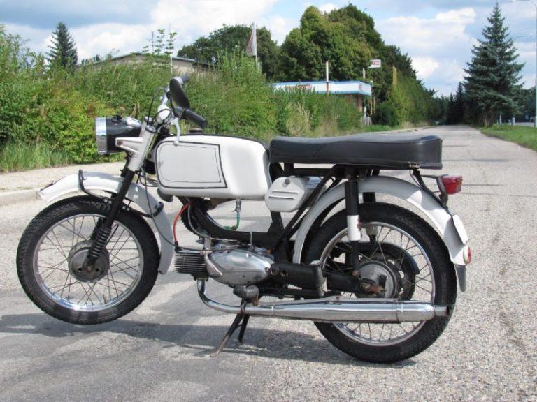 Šedá Jawa 23A z roku 1971