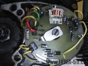 Kontaktní deska statoru čtyřcívkového zapalování s indukčním snímačem