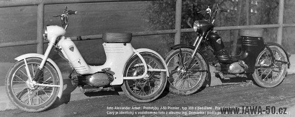 Dva prototypy motokola Jawa 359 předané do výrobního závodu Považských strojíren