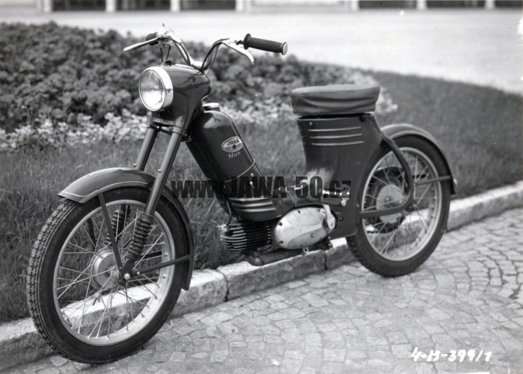 Prototyp mopedu jawa 50 typ 359 vyrobený v Praze