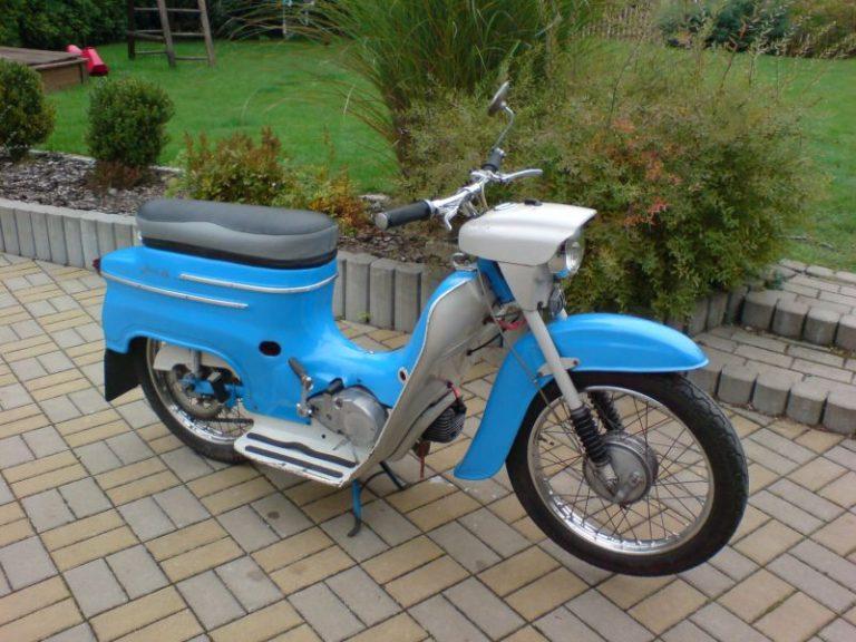 Modrá Jawa 20 z roku 1972